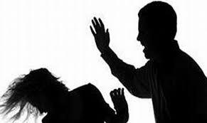 Майки подложени на домашно тормоз от мъжете си